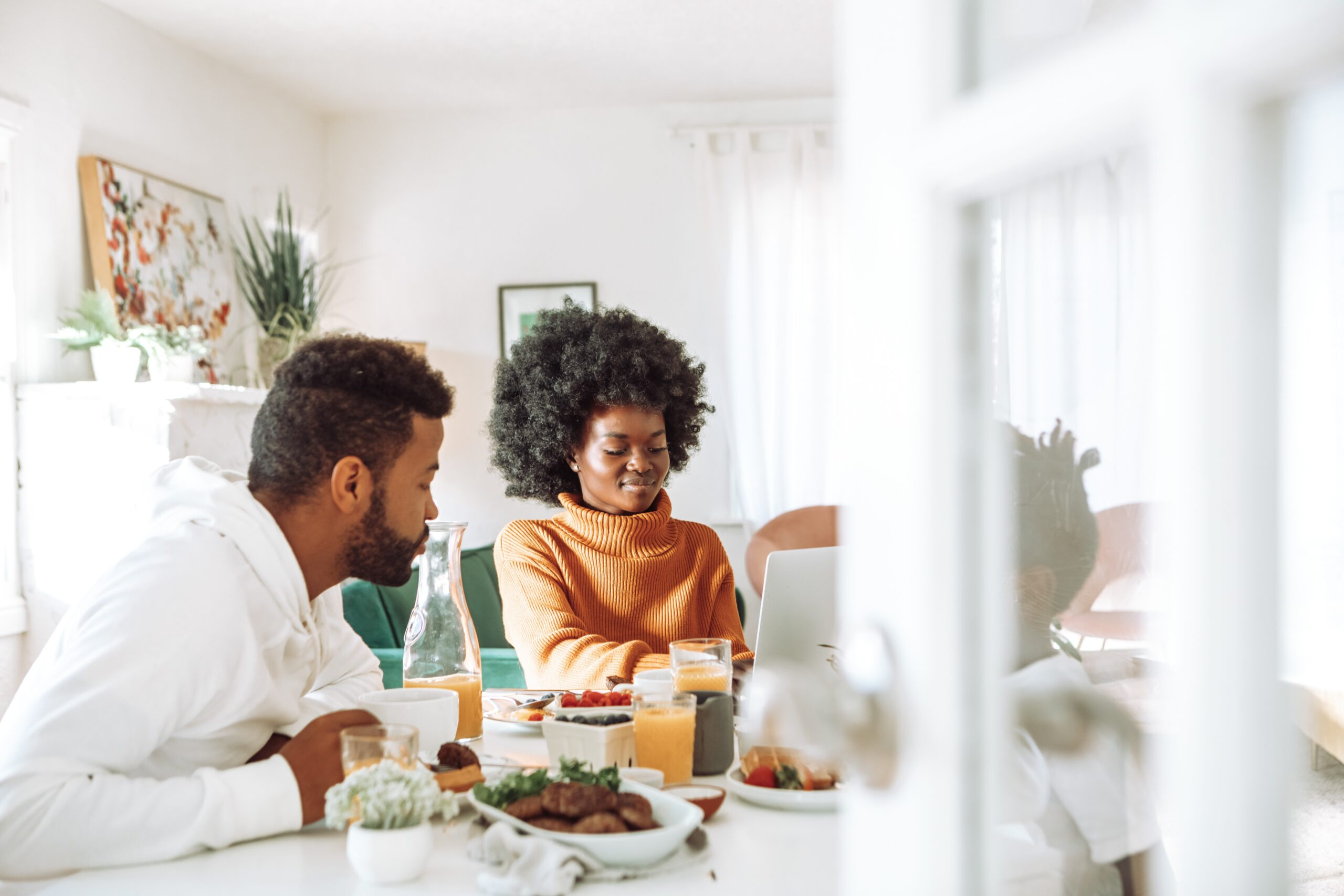 4 Tips for Working Remotely With Roommates or Family